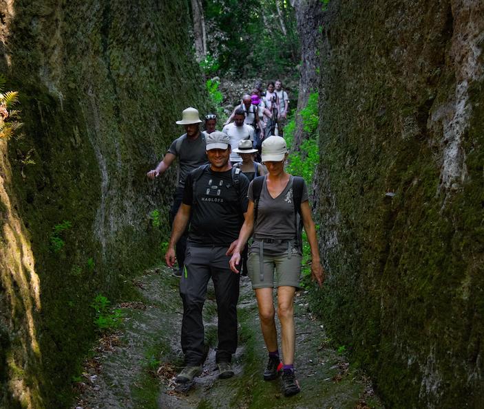 Via delle Cave Pitigliano Trekking and food